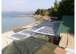 Αυτόνομο Φωτοβολταικό σύστημα στην παραλία Κουκουναριές   Σκιάθος beach bar