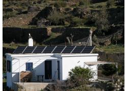 Αυτόνομο Φωτοβολταικό σύστημα σε απομακρυσμένη κατοικία   Άνδρος