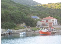 Νήσος Περιστέρα, Σποράδες