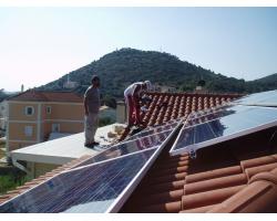 Φ/Β σύστημα ισχύος 5 kWp σε κεραμοσκεπή μονοκατοικίας, το πρώτο στην Κεφαλονιά απο τον αντιπρόσωπό μας στην περιοχή