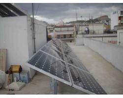 Φ/Β σύστημα ισχύος 4,9 kWp σε ταράτσα τυπικής πολυκατοικίας στο κέντρο των Αθηνών